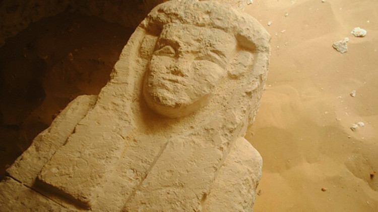 Encuentran en Egipto tres tumbas con varios sarcófagos de 2000 años de antigüedad