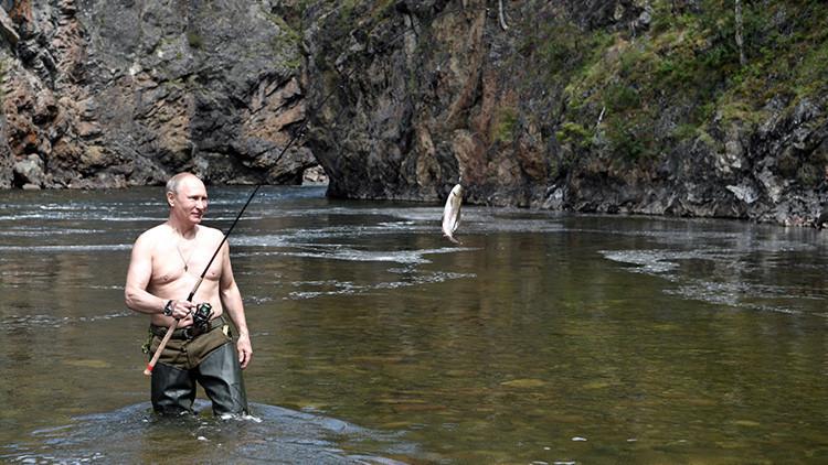 'Sin camiseta como Putin': nueva moda entre los hombres rusos (FOTOS)