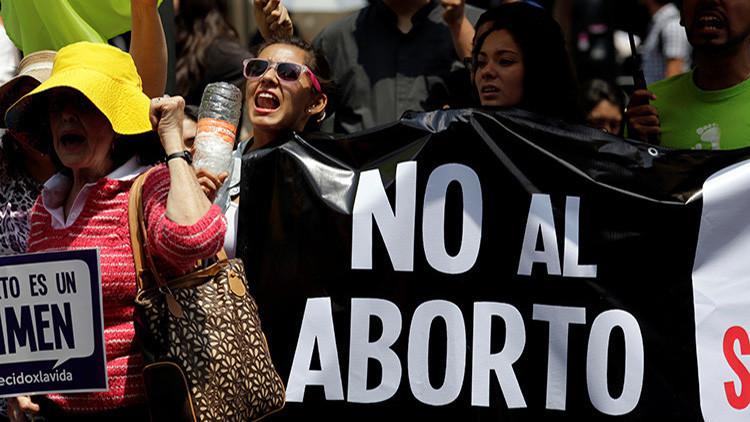 """¿""""Feminismo exacerbado"""" o machismo insensible?: El aborto en México es un derecho de clase"""