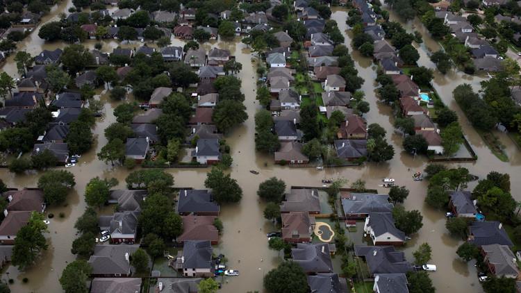 Políticos republicanos, a la gresca por el huracán Harvey