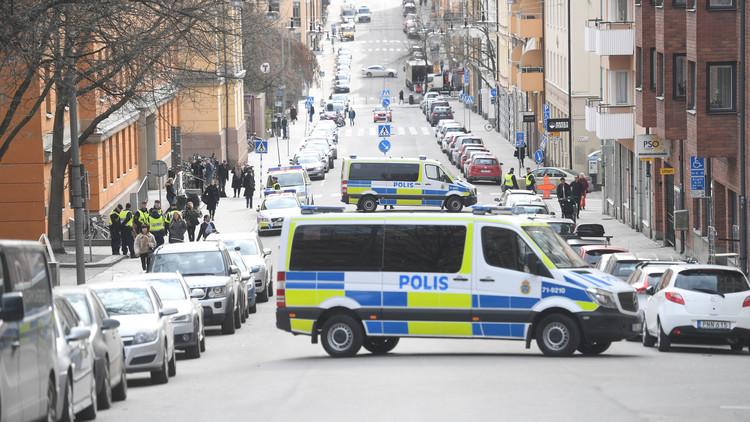 Atacan con un cuchillo a un policía en Estocolmo