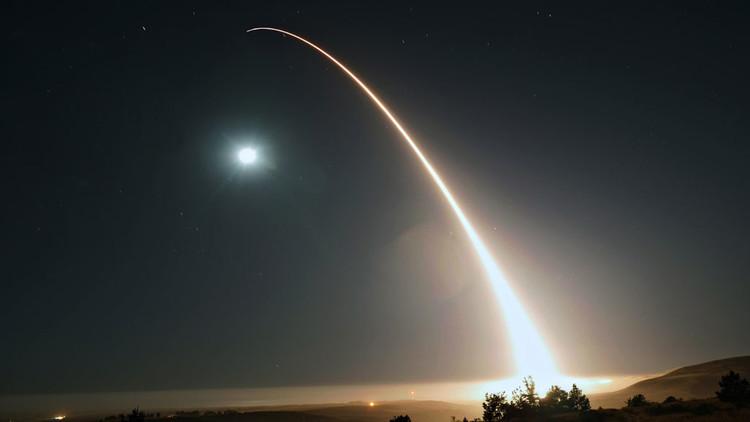 """EE.UU. no derriba los misiles norcoreanos """"para no alentar a Kim"""""""