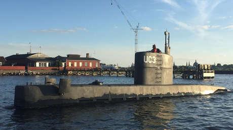 Una mujer a bordo del submarino privado UC3 Nautilus, puerto de Copenhague, Dinamarca, 11 de agosto de 2017.