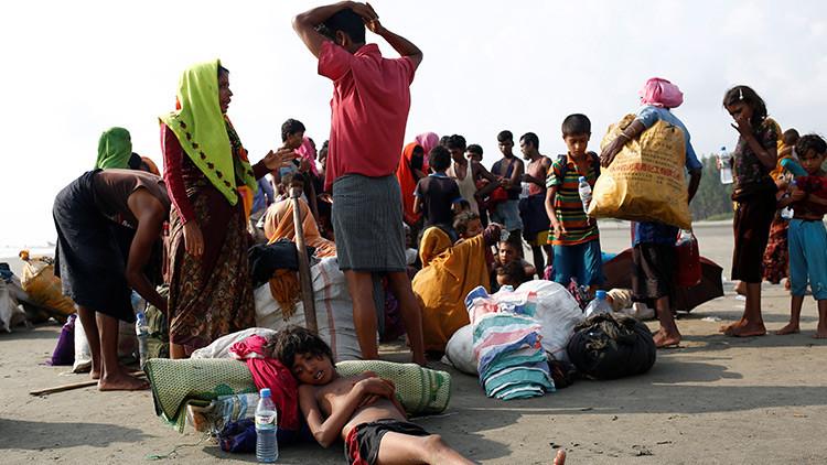 Más de 145.000 musulmanes rohinyás huyen de la violencia en Birmania