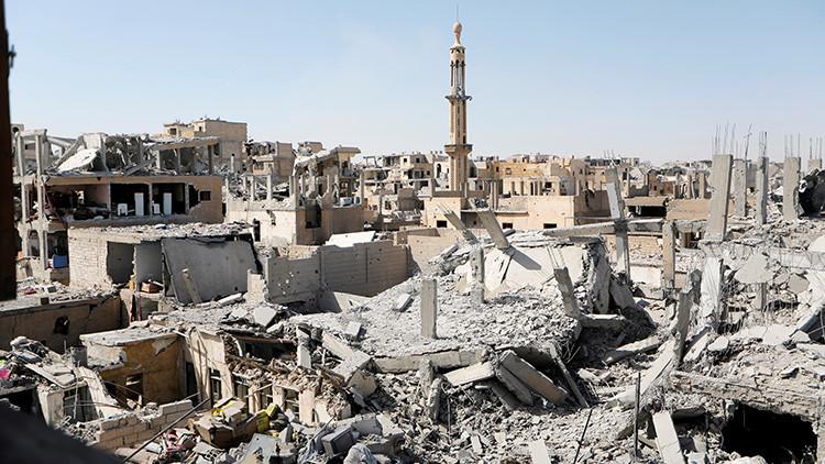 La coalición internacional suspende su operación en Raqa ante el éxito del Ejército sirio