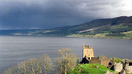 El lago Ness en Escocia, Reino Unido.