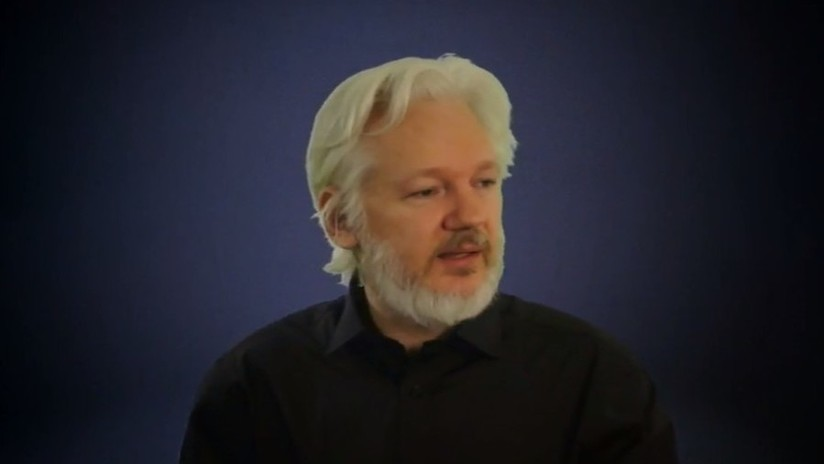 """""""Essa geração que nasceu é a última grátis"""": Assange, antes que a Internet fosse cortada"""
