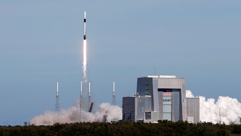 VIDEO: La compañía SpaceX lanza el cohete Falcon 9.