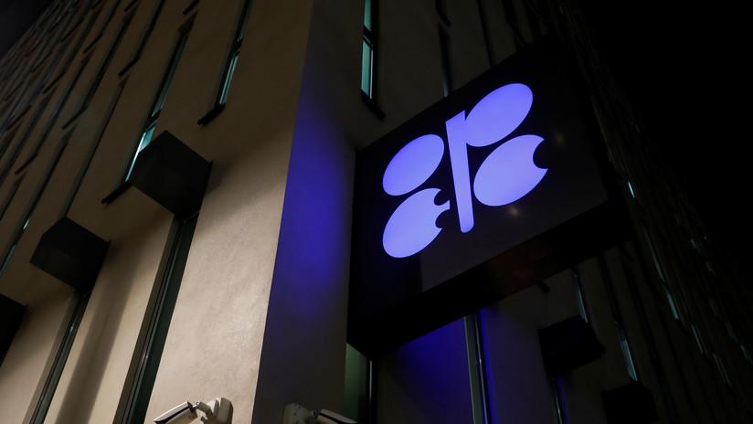 La OPEP y sus socios acuerdan reducir la producción de petróleo en 1,2 millones de barriles por día