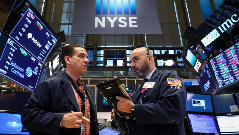 Los mercados vuelven a caer y el Dow Jones reduce su valor en más de 500 puntos - RT en Español
