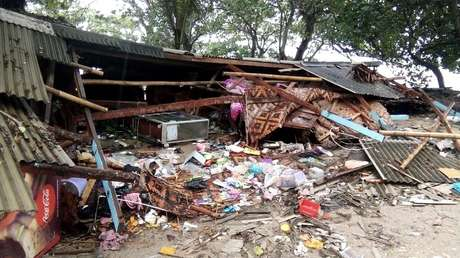 La destrucción causada por el tsunami en la provincia indonesia de Bantén, 23 de diciembre de 2018.