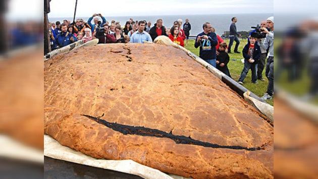 Condado de Cornwall cocina empanada de 850 kilos