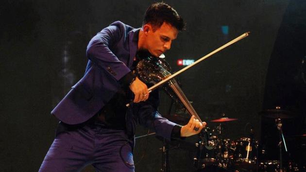 Video: Violinista inglés reconocido el 'súper hombre' más rápido del mundo