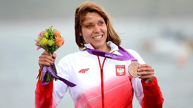 Una atleta polaca de Londres 2012 subasta su medalla para salvar a una niña enferma