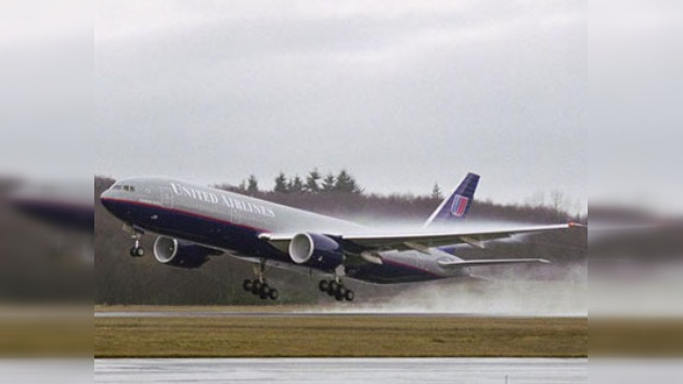 Turbulencia aérea deja diez heridos