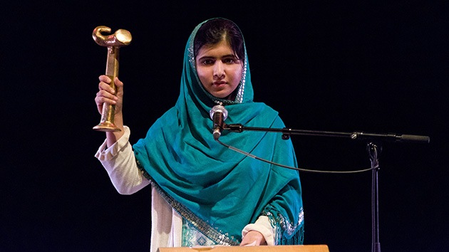 Talibán planea un nuevo ataque contra la joven activista Malala Yousafzai