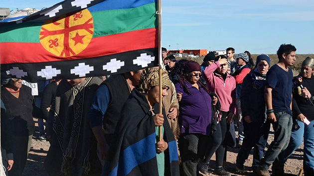 La ira de los mapuches 'se enciende' en Argentina: bloquean un yacimiento de la YPF