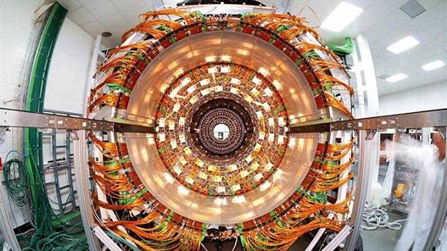 Los físicos calculan la masa exacta de la partícula elemental más pesada