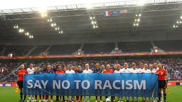 La FIFA exige sanciones más severas contra el racismo