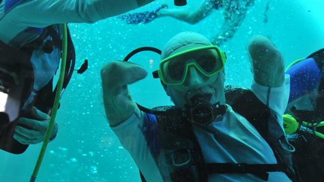 Amputado de cuatro miembros se sumerge a 33 metros de profundidad