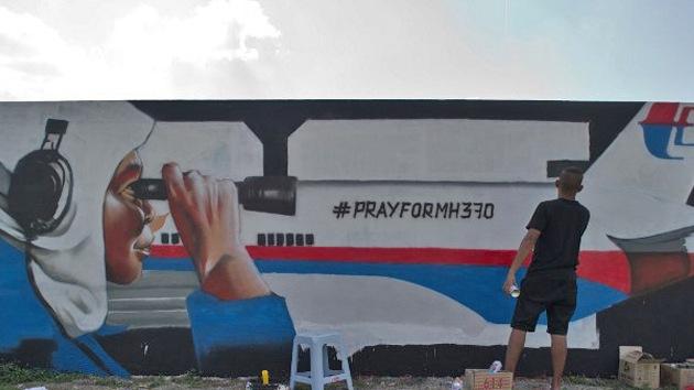 El piloto del MH370 podría haber asfixiado a los pasajeros antes de amarar