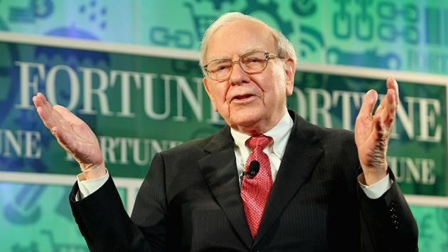 'Campeón del año': Warren Buffett ganó 37 millones de dólares diarios en 2013