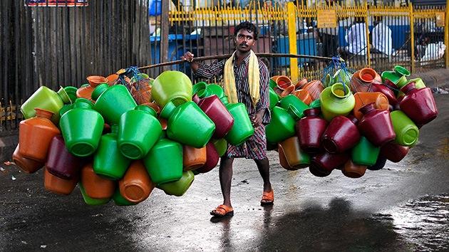 Coca Cola pide más agua para su planta en la India pese a la crisis de abastecimiento