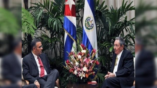 El primer viaje oficial de un presidente salvadoreño a Cuba tras 50 años