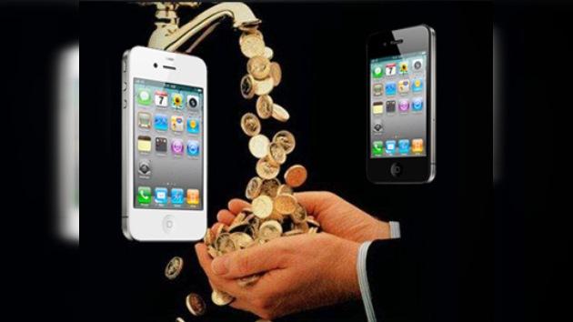 Un joven de EE. UU. ganó 130.000$ al vender piezas blancas para el iPhone 4