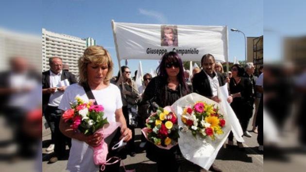 Contra los suicidios económicos: las 'viudas de la crisis' se manifiestan en Italia
