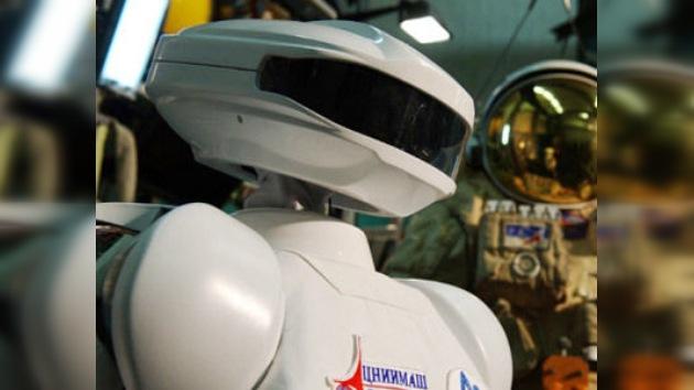 Un androide ruso sin piernas se prepara para un viaje a la EEI