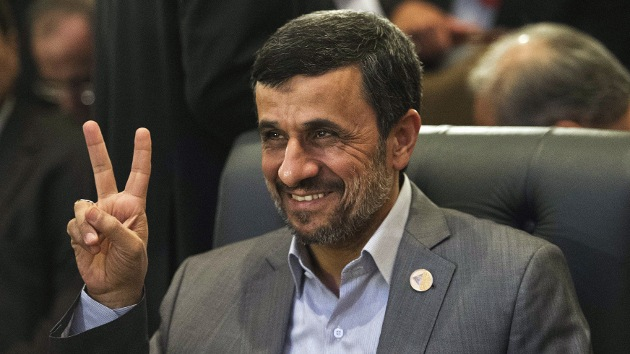 Ahmadineyad: Irán ya es una potencia nuclear pero no amenaza a Israel