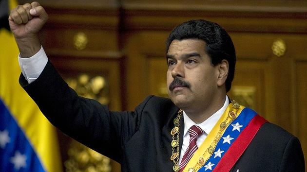 """Venezuela comprará más armas rusas y chinas """"para defender los mares de la patria"""""""