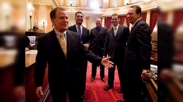 Un legislador opositor a los derechos de gays confiesa que es gay