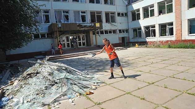 Aparecen en escuelas de Lugansk panfletos que amenazan con la destrucción de la ciudad