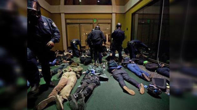 Demandan a la policía de Nueva York por patrullar dentro de las casas