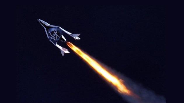 Éxito rotundo: primera prueba en vuelo de la nave suborbital de Virgin Galactic