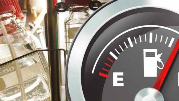 Escocia le apuesta doble al whisky, como bebida y como combustible para automóviles