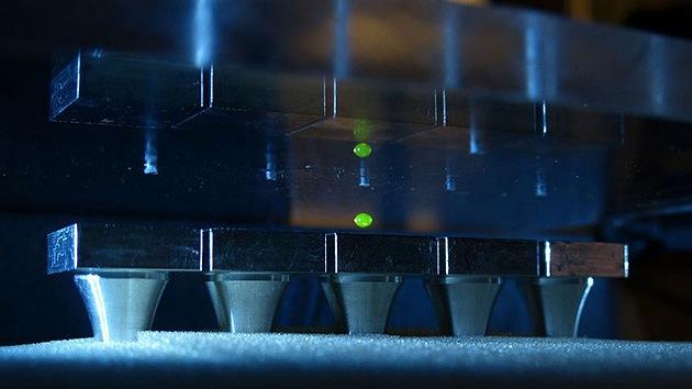 Científicos suizos utilizan el sonido para hacer levitar varios objetos a la vez