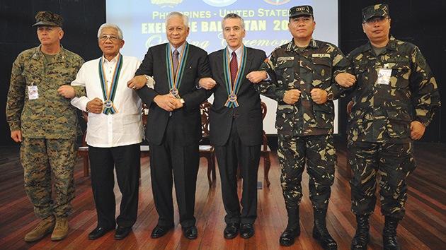 EE.UU. y Filipinas retan a China con maniobras