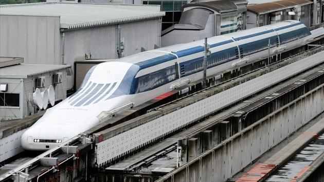Japón exhibe su tren de levitación magnética