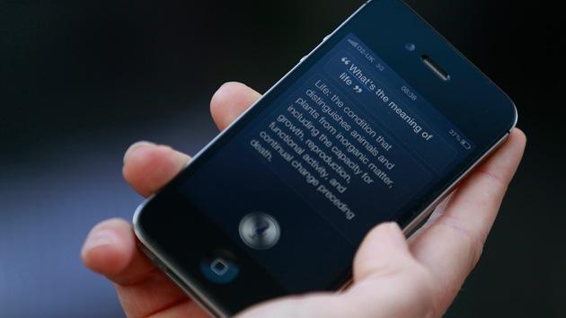 """""""Carta de amor a una máquina"""": Niño autista hace mejores amigos con el Siri de Apple"""