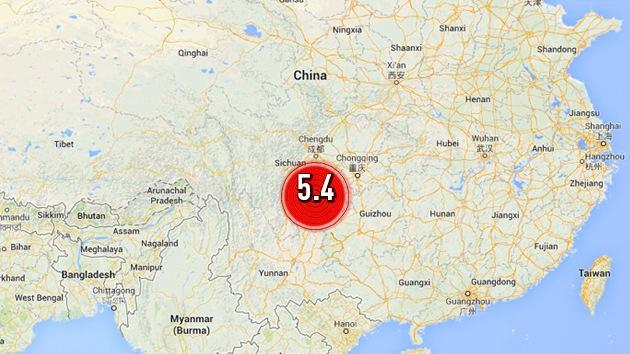 Al menos 21 heridos y 20.000 evacuados a causa de un terremoto en China