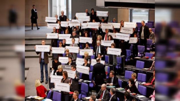 El Bundestag expulsa a La Izquierda y aprueba más tropas para Afganistán