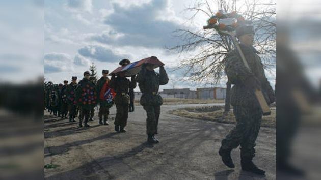 Conmemoran a los paracaidistas héroes fallecidos hace 10 años en Chechenia