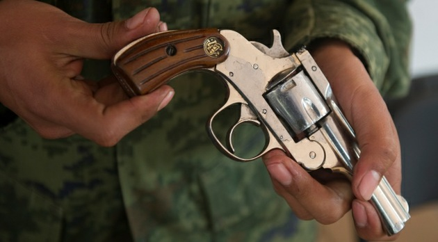 Noche de paz: Cambian armas de fuego por juguetes y dinero en Ciudad de México