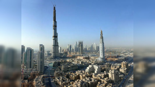 Dejó de funcionar ascensor en el rascacielos más alto del mundo