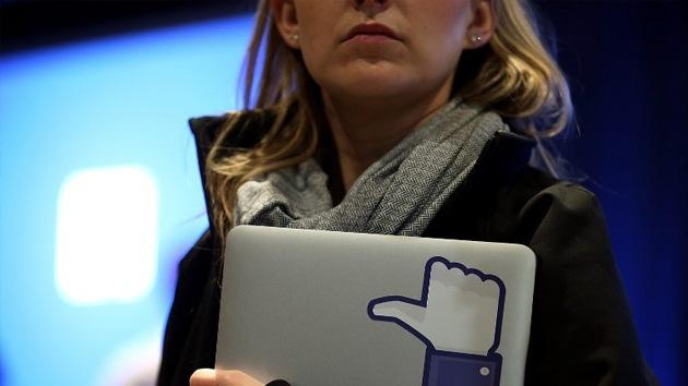 Facebook experimenta en secreto con las emociones de los usuarios