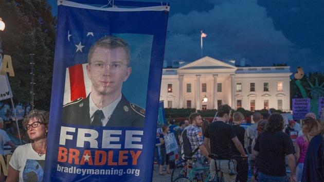 """Manning a Obama: """"Sé que violé la ley, pero lo hice por amor a mi país"""""""