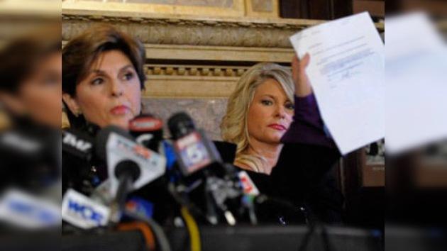 Una mujer denuncia al candidato republicano, Herman Cain, por acoso